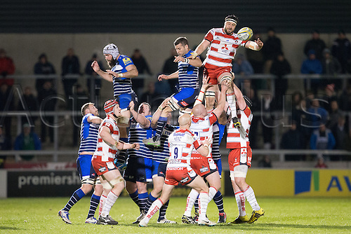 29.04.2016. AJ Bell Stadium, Salford, England. Aviva Premiership Sale Sharks versus Gloucester Rugby. Gloucester Rugby lock Jeremy Thrush wins a line out for Gloucester.