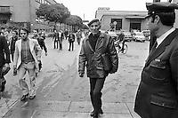 - exit of the workers from the FIAT plant of Torino Mirafiori (October 1979) ....- uscita degli operai dallo stabilimento FIAT di Torino Mirafiori..(ottobre 1979)