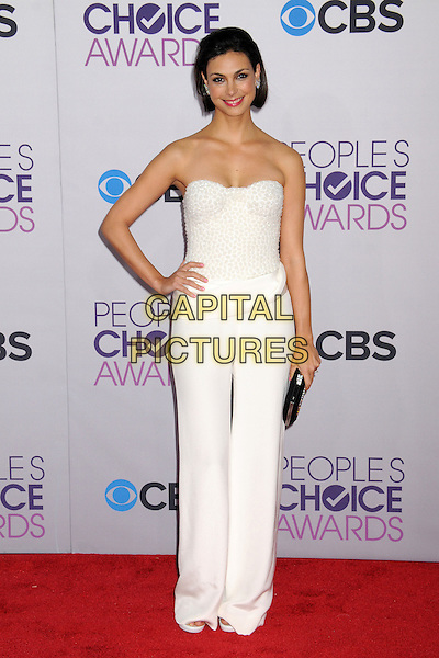 Morena Baccarin.People's Choice Awards 2013 - Arrivals held at Nokia Theatre L.A. Live, Los Angeles, California, USA..January 9th, 2013.full length strapless white trousers jumpsuit hand on hip clutch bag silver black .CAP/ADM/BP.©Byron Purvis/AdMedia/Capital Pictures.