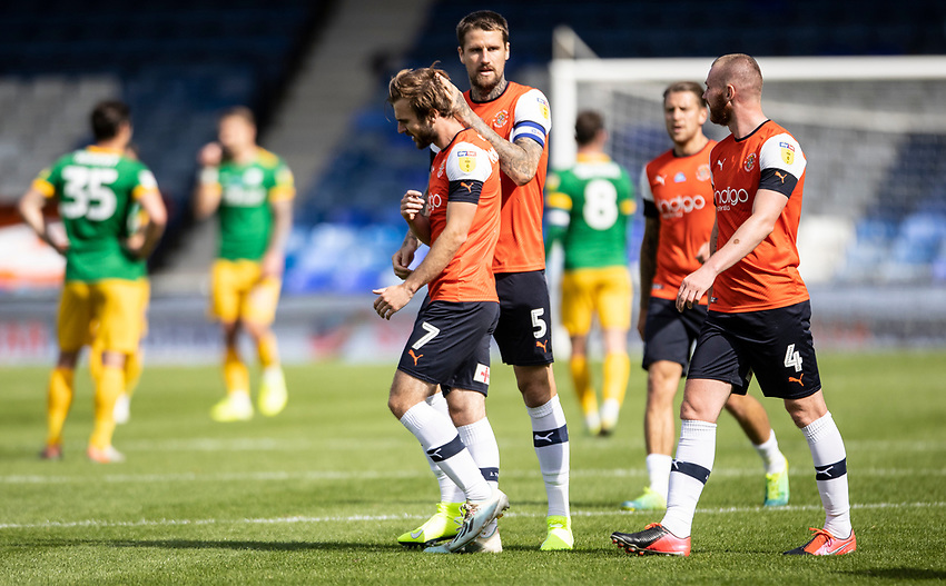 Luton Town's Callum McManaman (no.7) celebrates scoring his side's first goal with his team mates<br /> <br /> Photographer Andrew Kearns/CameraSport<br /> <br /> The EFL Sky Bet Championship - Luton Town v Preston North End - Saturday 20th June 2020 - Kenilworth Road - Luton<br /> <br /> World Copyright © 2020 CameraSport. All rights reserved. 43 Linden Ave. Countesthorpe. Leicester. England. LE8 5PG - Tel: +44 (0) 116 277 4147 - admin@camerasport.com - www.camerasport.com