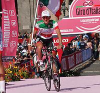 Italian cyclist Franco Pellizzotti of the Androni team  attends his team's presentation for the 96th Giro d'Italia cycling tour at Piazza del Plebiscito in Naples                                                                                                             NAPOLI 03/05/2013 PRESENTAZIONE DEI CORRIDORI DEL 96° GIRO D'ITALIA.NELLA FOTO .FOTO CIRO DE LUCA