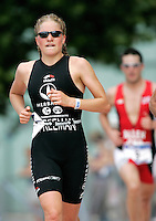 06 AUG 2006 - LONDON, GBR - Henrietta Freeman - London Triathlon (PHOTO (C) NIGEL FARROW)
