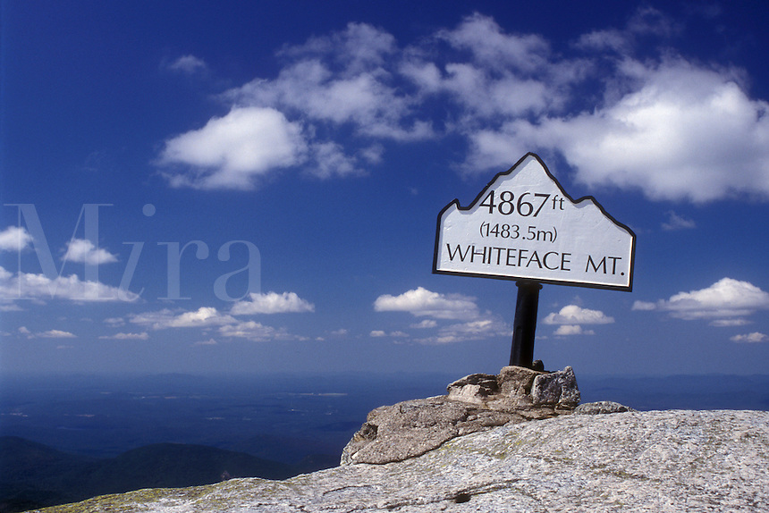 Adirondacks, summit, Whiteface Mt., Adirondack Park, New York, Summit of Whiteface Mountain in Wilmington in the state of New York. Elevation sign on summit
