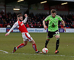 Dean Hammond of Sheffield Utd skips past a tackle by Jimmy Ryan of Fleetwood Town  - English League One - Fleetwood Town vs Sheffield Utd - Highbury Stadium - Fleetwood - England - 5rd March 2016 - Picture Simon Bellis/Sportimage