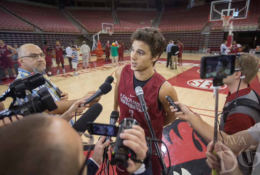 HAWGS ILLUSTRATED JASON IVESTER<br /> Arkansas men's basketball media day and open practice on Wednesday, Oct. 5, 2016, at Bud Walton Arena in Fayetteville.