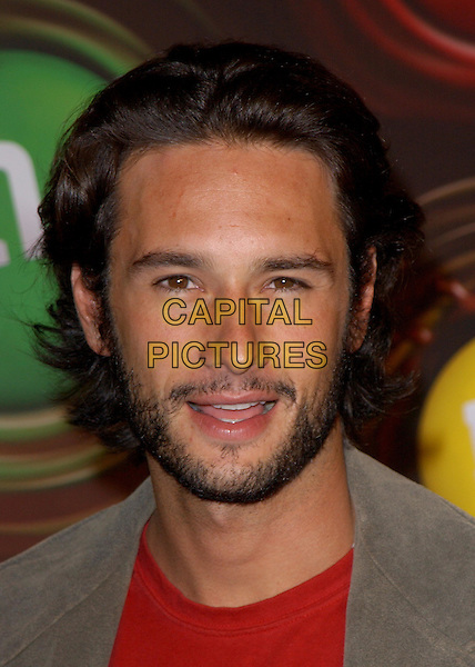 RODRIGO SANTORO.Experience the Color of M&M's at M&M's Brand City held on the corner of Hollywood and Argyle in Hollywood, California .11 March 2004.*UK Sales Only*.headshot, portrait, beard.www.capitalpictures.com.sales@capitalpictures.com.©Capital Pictures.