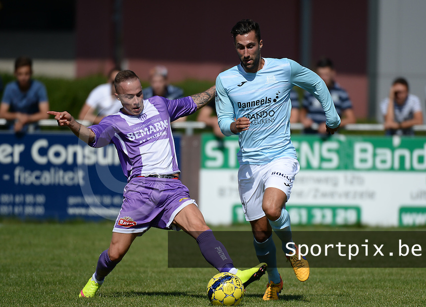 KVC Wingene - SW Harelbeke : Gianny Vanhaecke (links) met de tackle op Aaron Bruning (r)<br /> Foto VDB / Bart Vandenbroucke