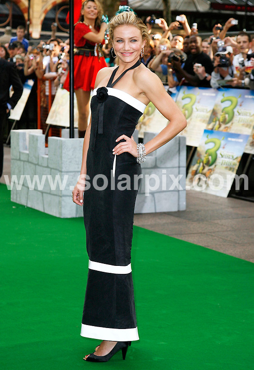 "ALL ROUND PICTURES FROM SOLARPIX.COM.**WORLDWIDE RIGHTS*.Cameron Diaz arrives for the premiere of ""Shrek the Third"" at the Odeon, Leicester Square. London.REF: 4058   PRS        DATE: 11.06.07.**MUST CREDIT SOLARPIX.COM OR DOUBLE FEE WILL BE CHARGED* *UNDER NO CIRCUMSTANCES IS THIS IMAGE TO BE REPRODUCED FOR ANY ONLINE EDITION WITHOUT PRIOR PERMISSION*"
