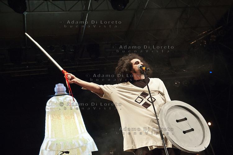 TERAMO 01/08/2012: ERETICO TOUR, CONCERTO LIVE A TERAMO DI CAPAREZZA. FOTO ADAMO DI LORETO