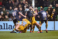 25th January 2020; Sixways Stadium, Worcester, Worcestershire, England; Premiership Rugby, Worcester Warriors versus Wasps; Cornell du Preez of Worcester Warriors passes the ball whilst being tackled
