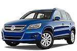 Low aggressive front three quarter view of a 2009 Volkswagen Tiguan SEL.