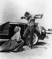 Giant (1956) <br /> James Dean &amp; Elizabeth Taylor<br /> *Filmstill - Editorial Use Only*<br /> CAP/KFS<br /> Image supplied by Capital Pictures
