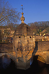 A084TE Seventeenth century lock up jail on bridge Bradford on Avon Wiltshire England