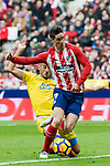 Fernando Torres (R) of Atletico de Madrid competes for the ball with Alejandro Galvez Jimena of UD Las Palmas during the La Liga 2017-18 match between Atletico de Madrid and UD Las Palmas at Wanda Metropolitano on January 28 2018 in Madrid, Spain. Photo by Diego Souto / Power Sport Images