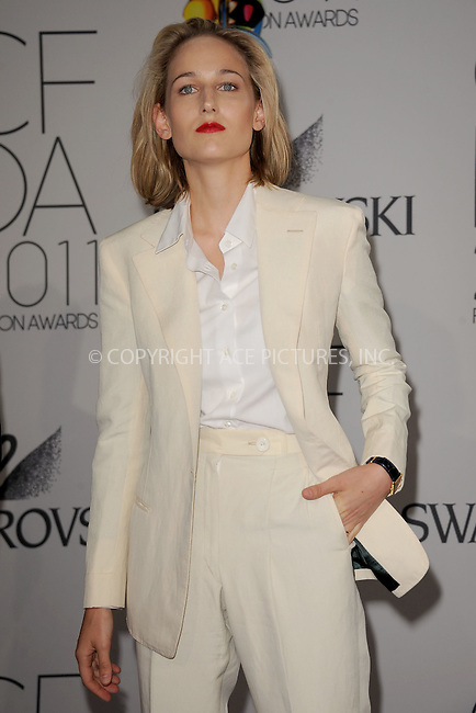WWW.ACEPIXS.COM . . . . . .June 6, 2011...New York City..... Leelee Sobieski attends the 2011 CFDA Fashion Awards at Alice Tully Hall, Lincoln Center on June 6, 2011 in New York City......Please byline: KRISTIN CALLAHAN - ACEPIXS.COM.. . . . . . ..Ace Pictures, Inc: ..tel: (212) 243 8787 or (646) 769 0430..e-mail: info@acepixs.com..web: http://www.acepixs.com .