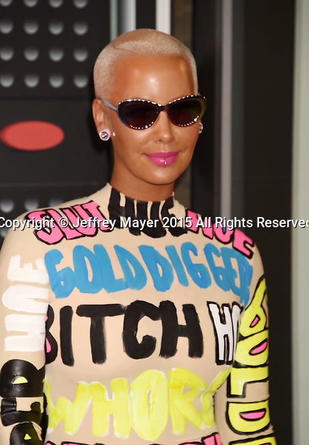 LOS ANGELES, CA - AUGUST 30:  Amber Rose arrives at the 2015 MTV Video Music Awards at Microsoft Theater on August 30, 2015 in Los Angeles, California.