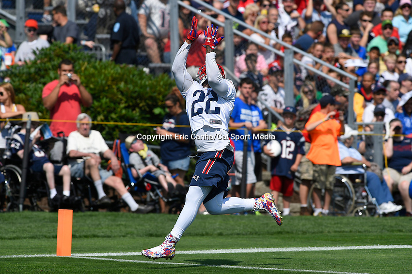 July 25, 2014 - Foxborough, Massachusetts, U.S.- New England Patriots running back Stevan Ridley (22) tracks a pass during the New England Patriots training camp held at Gillette Stadium in Foxborough Massachusetts.  Eric Canha/CSM