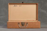 Willard Suitcases / Ida H / ©2014 Jon Crispin