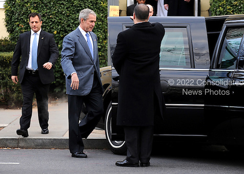 Washington, DC - January 4, 2009 -- United States President George W. Bush walks to his limousine after attending Sunday service at Saint John's Church in Washington on Sunday, January 4, 2009..Credit: Kevin Dietsch - Pool via CNP