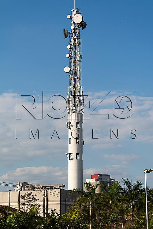 Torre de transmissão, São Paulo - SP, 08/2015.