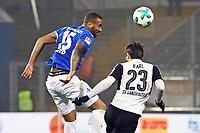 Kopfball Terrence Boyd (SV Darmstadt 98) gegen Markus Karl (SV Sandhausen) - 17.11.2017: SV Darmstadt 98 vs. SV Sandhausen, Stadion am Boellenfalltor, 2. Bundesliga