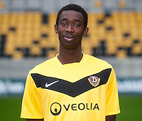 Fussball, 2. Bundesliga, SG Dynamo Dresden, Saison 2011/12, Mannschaftsfoto, gluecksgas Stadion Dresden, Freitag (09.09.11). Cheikh Gueye.