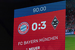 06.10.2018, Allianz Arena, Muenchen, GER, 1.FBL,  FC Bayern Muenchen vs. Borussia Moenchengladbach, DFL regulations prohibit any use of photographs as image sequences and/or quasi-video, im Bild Endstand auf der Anzeigetafel 0-3<br /> <br />  Foto &copy; nordphoto / Straubmeier