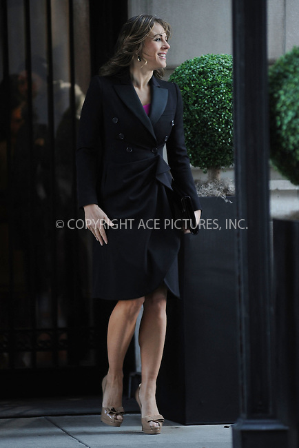 WWW.ACEPIXS.COM . . . . . March 5, 2012...New York City....Elizabeth Hurley  on the set of Gossip Girl  on March 5, 2012 in New York City....Please byline: KRISTIN CALLAHAN - ACEPIXS.COM.. . . . . . ..Ace Pictures, Inc: ..tel: (212) 243 8787 or (646) 769 0430..e-mail: info@acepixs.com..web: http://www.acepixs.com .