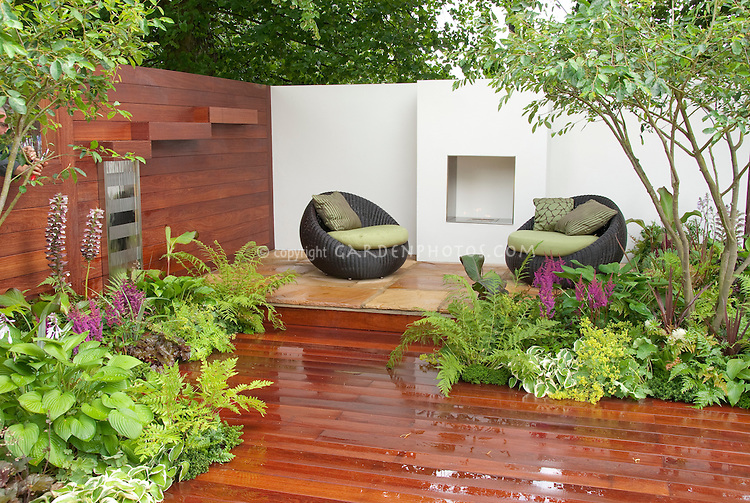 Firepit outside for outdoor room landscaping gorgeous for Beautiful garden decking