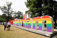 Nederland Amsterdam  2016 07 23.  EuroPride 2016 begint met Roze Zaterdag in het Vondelpark. De I Amsterdam letters hebben regenboogkleuren gekregen.    Foto Berlinda van Dam / Hollandse Hoogte