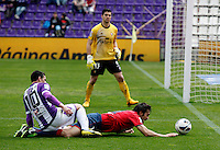 Real Valladolid´s Oscar and Osasuna´s Alejandro Arribas during match of La Liga 2012/13. 31/03/2013. Victor Blanco/Alterphotos /NortePhoto