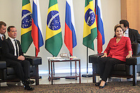 BRASILIA, DF, 20 FEVEREIRO 2013 - ENCONTRO BRASIL-RUSSIA - A presidente Dilma Rousseff recebe o primeiro-ministro da Rússia, Dmitri Medvedev, nesta quarta-feira no Palácio do Planalto, em Brasília. Medvedev espera fechar acordos na área de defesa e tecnologia nuclear com o Brasil nesta semana, durante uma viagem destinada a consolidar as relações entre dois países do Brics, que têm uma população combinada de 330 milhões de pessoas. (FOTO: RONALDO BRANDAO / BRAZIL PHOTO PRESS).