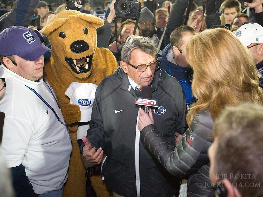 State College, PA - 11/06/2010:  Despite trailing 21-0 in the first quarter, Penn State defeated Northwestern by a score of 35-21 at Beaver Stadium to give head coach Joe Paterno his 400th career victory...Photo:  Joe Rokita / JoeRokita.com..Photo ©2010 Joe Rokita Photography