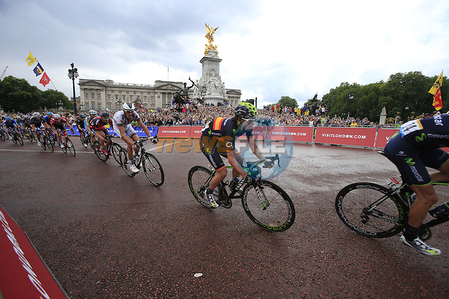 The riders including Jon Izaguirre Insausti (ESP) Movistar round the final bend at Buckingham Palace at the end of Stage 3 of the 2014 Tour de France running 155km from Cambridge to London. 7th July 2014.<br /> Picture: Eoin Clarke www.newsfile.ie