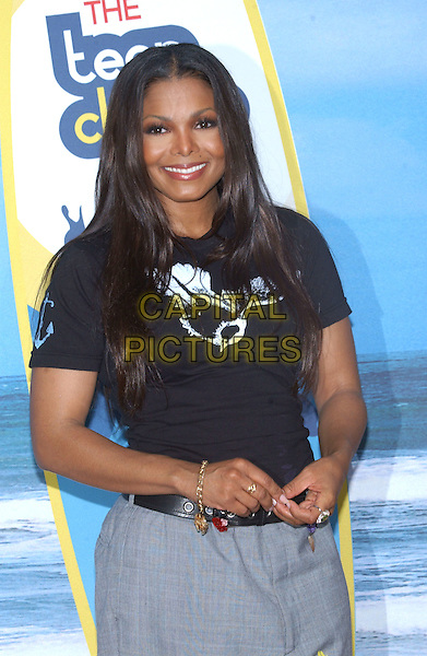 JANET JACKSON.At the 2004 Teen Choice Awards held at Uiversal Amphitheatre, Universal City, CA, USA,.8th August 2004..half length black t shirt grey trousers.**UK SALES ONLY**.Ref:-ADM.www.capitalpictures.com.sales@capitalpictures.com.©Capital Pictures.