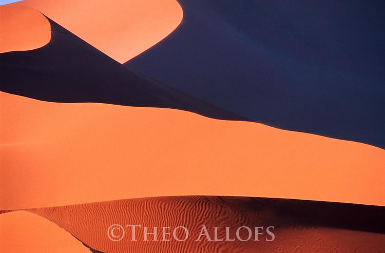 Red sand dunes in Namib Desert, Namib-Naukluft National Park, Sossusvlei, Namibia