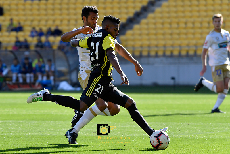 Wellington Phoenix' Roy Krishna in action during the A League - Wellington Phoenix v Newcastle Jets at Westpac Stadium, Wellington, New Zealand on Sunday 21 October  2018. <br /> Photo by Masanori Udagawa. <br /> www.photowellington.photoshelter.com