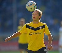Fussball, 2. Bundesliga, Saison 2011/12, SG Dynamo Dresden - Alemannia Aachen, Sonntag (16.10.11), gluecksgas Stadion, Dresden. Dresdens Robert Koch am Ball.