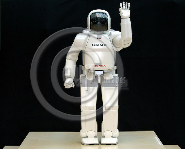 BRUSSELS - BELGIUM - 25 JANUARY 2005 -- ASIMO, the Honda Humanoid Robot visiting the EU-Parliament. --  PHOTO: JUHA ROININEN / EUP-IMAGES