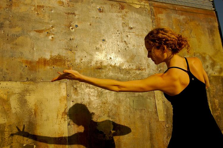 n|a, Urban yoga photo shoot for Kyra Haglund.