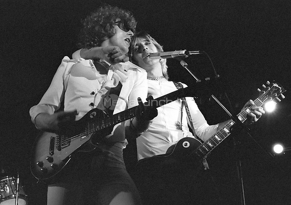 Hunter Ronson Band perform at Colston Hall, Bristol on 1st April 1975  Credit: Ian Dickson/MediaPunch