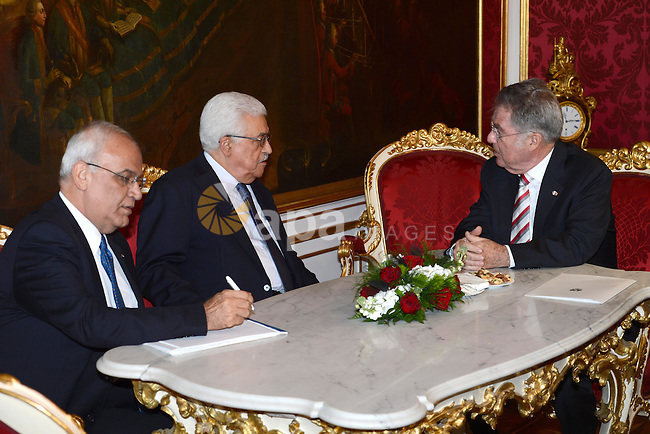 Palestinian President Mahmoud Abbas (Abu Mazen) meets with austrian President Heinz Fischer in Vienna in Germany, on Apr. 29, 2013. Photo by Thaer Ganaim