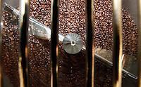 Pozzuoli ( Napoli) Nasce nel carcerre femminile il caffe ' Lazzarella' dieci detenute costituitesi in cooperativa .producono un' ottima miscela di caffe,ottenuta con tostatura artigianale da caffe della america centrale .foto ciro de luca