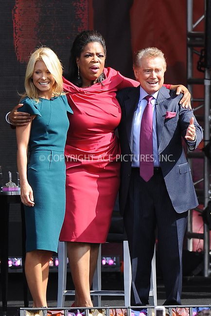 WWW.ACEPIXS.COM . . . . . ....September 18 2009, New York City....Kelly Ripa and Regis Philbin Join Oprah Winfrey as she broadcasts her show 'The Oprah Winfrey Show' from the Rumsey Playfield in Central Park on September 18, 2009 in New York City.....Please byline: KRISTIN CALLAHAN - ACEPIXS.COM.. . . . . . ..Ace Pictures, Inc:  ..tel: (212) 243 8787 or (646) 769 0430..e-mail: info@acepixs.com..web: http://www.acepixs.com
