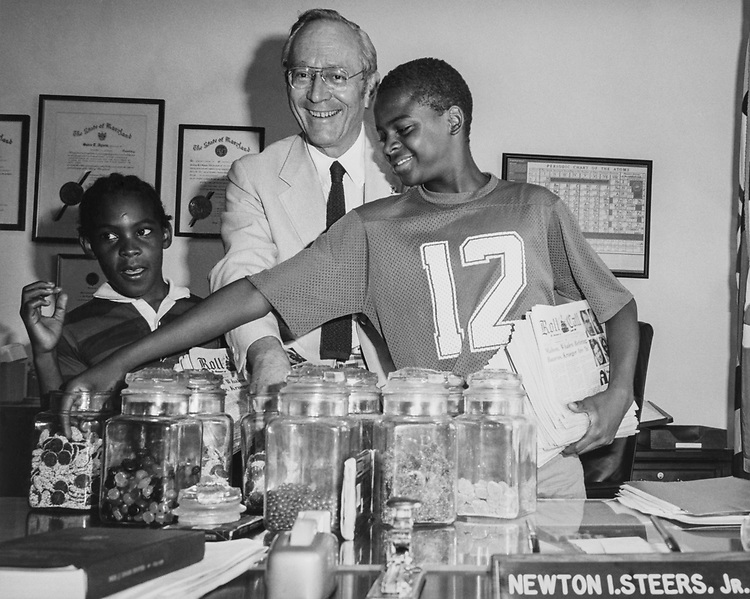 Rep. Newton Steers, R-Md., with boys at his office. 1979 (Photo by CQ Roll Call)