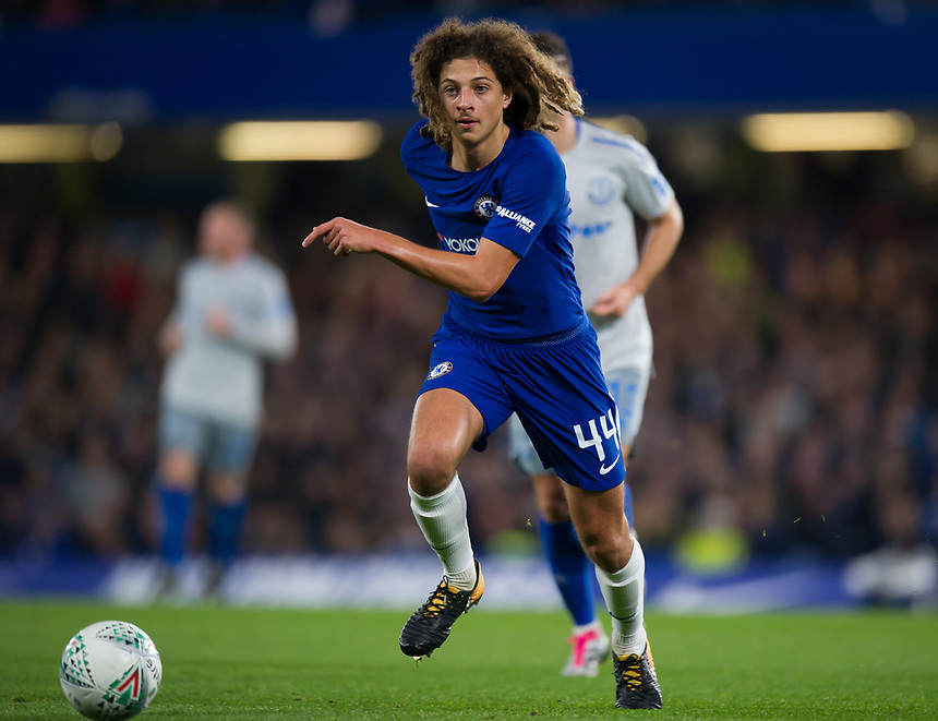 Chelsea's Ethan Ampadu in action <br /> <br /> Photographer Ashley Western/CameraSport<br /> <br /> The Carabao Cup Round 4 - Chelsea v Everton - Tuesday 24th October 2017 - Stamford Bridge - London<br />  <br /> World Copyright &copy; 2017 CameraSport. All rights reserved. 43 Linden Ave. Countesthorpe. Leicester. England. LE8 5PG - Tel: +44 (0) 116 277 4147 - admin@camerasport.com - www.camerasport.com