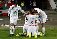 MANIZALES - COLOMBIA, 01-08-2016: Jugadores de Once Caldas celebran después de anotar un gol a Fortaleza CEIF durante partido por la fecha 6 de Liga Águila II 2016 jugado en el estadio Palogrande de la ciudad de Manizales. / Players of Once Caldas celebrate after scoring a goal to Fortaleza CEIF during match for the date 6 of the Aguila League II 2016 played at Palogrande stadium in Manizales city. Photo: VizzorImage / Santiago Osorio / Str