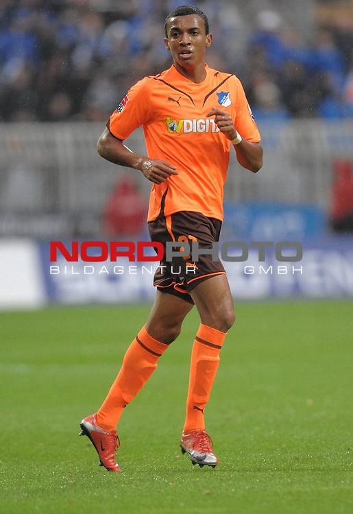 FBL 09/10  09. Spieltag Hinrunde / Weser Stadion<br /> Werder Bremen - 1899 Hoffenheim 2:0<br /> <br /> Luiz Gustavo Dias ( Hoffenheim #21 ))<br /> <br /> Foto &copy; nph ( nordphoto )