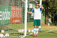 SAO PAULO, SP, 11.11.2013 - TREINO CT PALMEIRAS - O jogador do Palmeiras, Eguren, durante o treino no Centro de Treinamento do Palmeiras na Barra Funda, zona oeste da capital paulista nesta segunda-feira (11). (Foto: Marcelo Brammer / Brazil Photo Press)