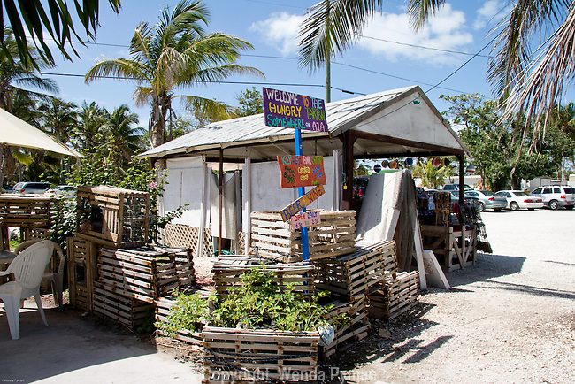 Small snack shop offers local seafood and fish.